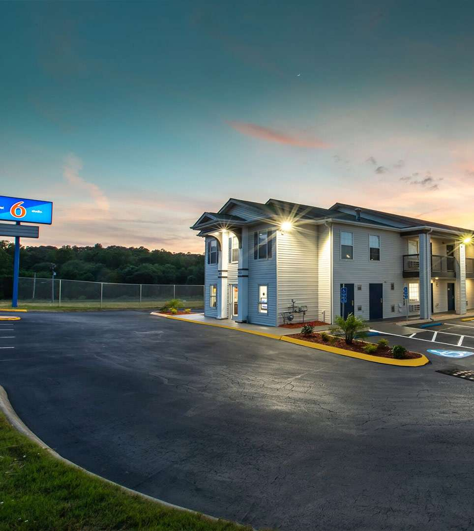 A Top–Ranked Greenville Hotel Off I-85